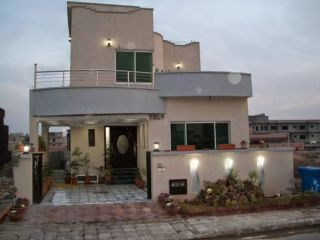12 Marla Fully Renovated Owner Built Bungalow For Rent