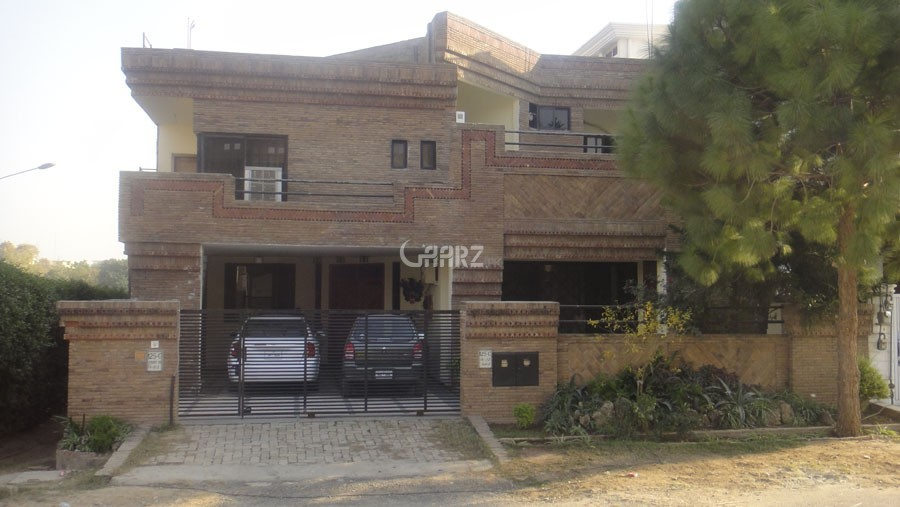 12 Marla House For Rent In DHA Phase 6, Karachi.