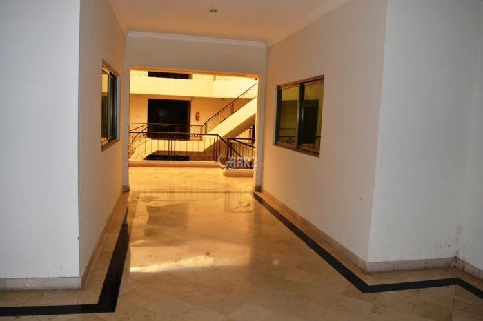 1600 Square Feet Flat for Rent in F-11, Islamabad.