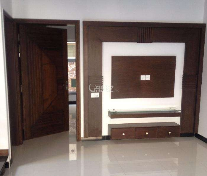 1700 Square Feet Flat For Rent