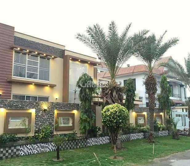 2 Kanal Bungalow For Rent In  F-8, Islamabad