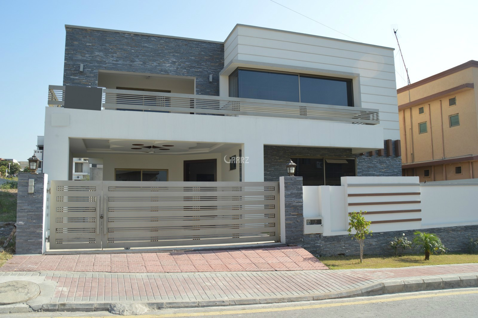 2  Kanal Bungalow For  Sale  In  FOECHS, Islamabad