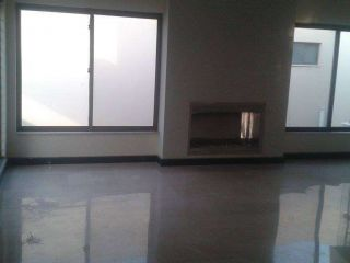 2000 Square Feet Flat For Sale
