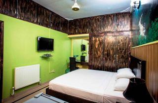 2250 Square Feet 4th Floor Flat  for Rent in Lahore Askari-11