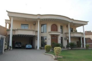 24  Marla  House  For  Rent  In  F-7, Islamabad