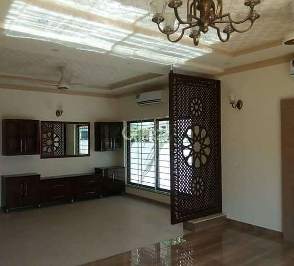 2600  Square Feet Flat For Rent In  F-11 Markaz, Islamabad