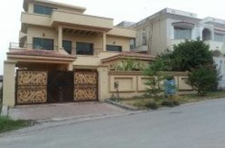 27 Marla House for Rent in Karachi DHA Phase-5