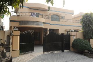 400 sq yd House for Rent in F 11/3, Islamabad.
