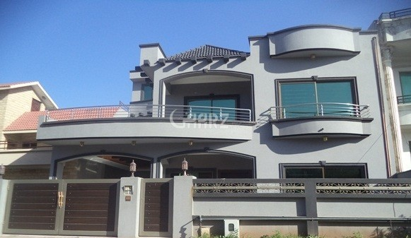 500 Square Yards House for Rent in F 10/3, Islamabad.