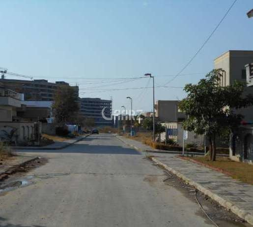 8 Marla Commercial Plot For Sale In DHA Phase-7, Lahore.