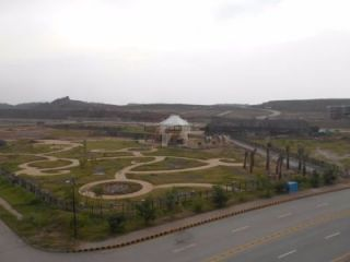 8  Marla Plot For Sale In  Bahria Enclave, Islamabad