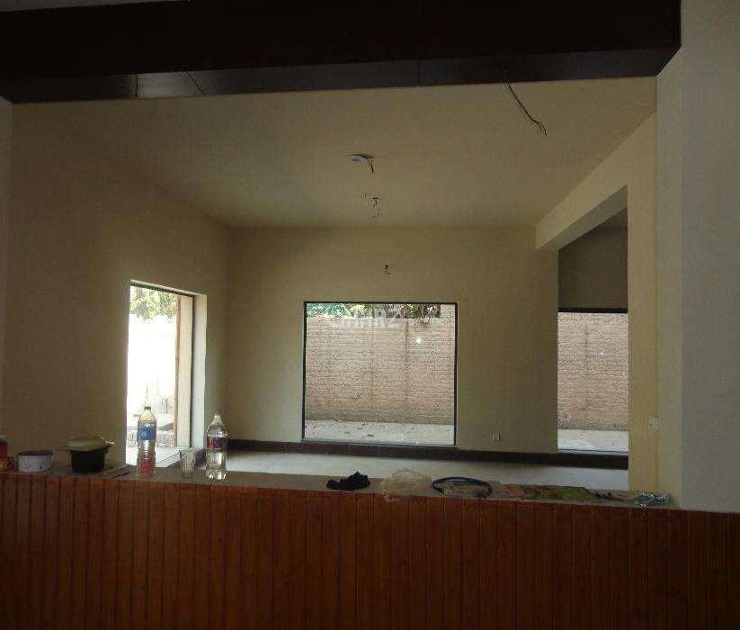 850 Square Feet Flat For Sale