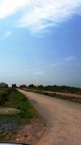 9.6 Marla Commercial Land for Sale in Karachi Gulshan-e-iqbal Block-5