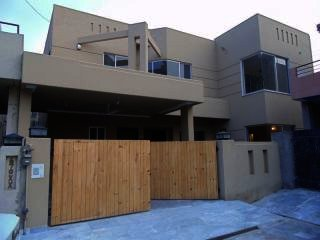 10 Marla House for Sale in Karachi DHA Phase-8