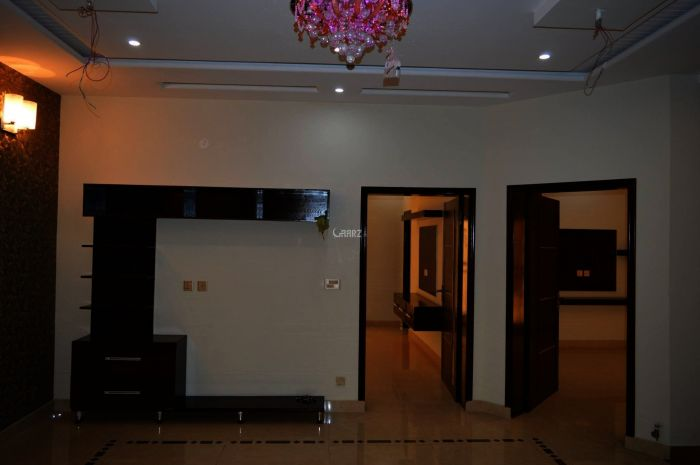 1620 Square Feet Apartment for Rent in Karachi Clifton Block-4