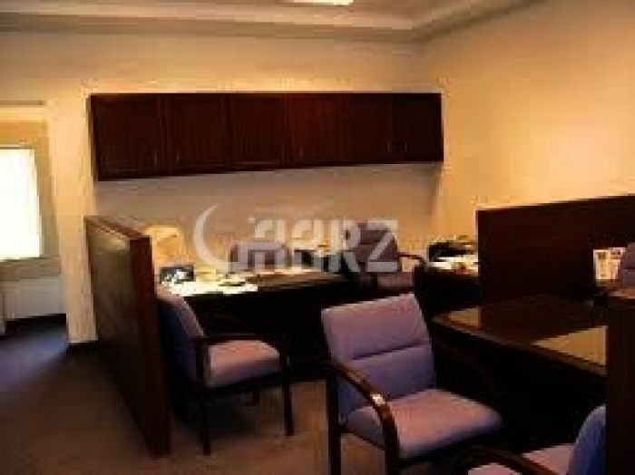 2570 Square Feet Commercial Office for Sale in Karachi Bukhari Commercial Area