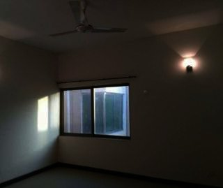 950 Square Feet Apartment for Rent in Karachi DHA Phase-6
