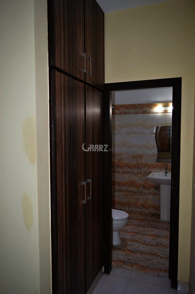 950 Square Feet Apartment for Sale in Karachi DHA Phase-5