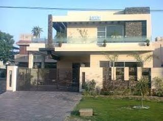 10 Marla House for Rent in Lahore Bahria Town Block Dd