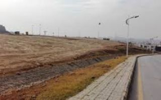 10 Marla Residential Land for Sale in Faisalabad Amin Town