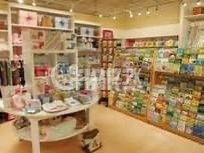 122 Square Feet Commercial Shop for Rent in Lahore Gulberg