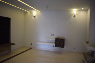 16 Marla Lower Portion for Rent in Karachi Gulshan-e-iqbal Block-2