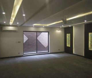 18 Marla House for Rent in Faisalabad Canal Road