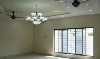 2700 Square Feet Apartment for Rent in Karachi