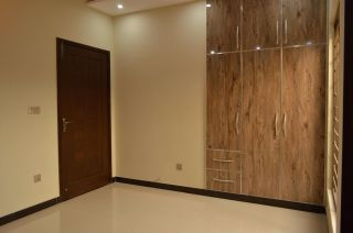 900 Square Feet Apartment for Rent in Karachi Gulshan-e-iqbal