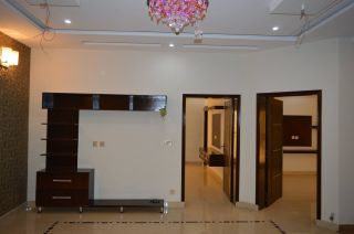 9 Marla House for Rent in Karachi Nazimabad