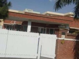 1 Kanal House for Rent in Lahore Canal Bank Housing Scheme