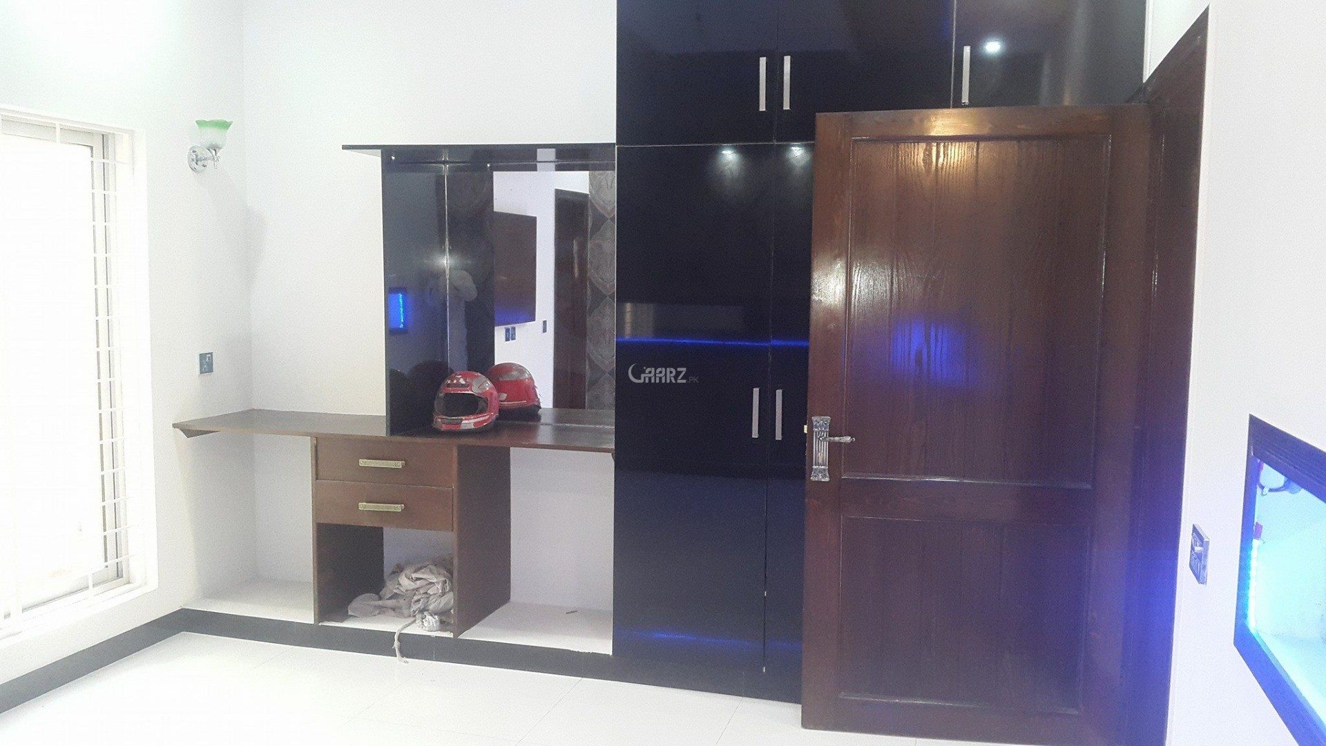 10 Marla House for Sale in Lahore Gulbahar Block