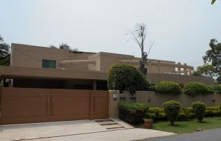2 Kanal House for Rent in Lahore Shami Road