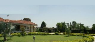 6 Kanal Farm House for Sale in Lahore Bedian Road