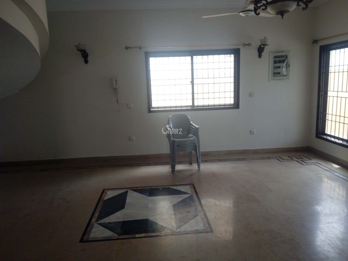 600 Square Yard Upper Portion for Rent in Karachi DHA Phase-7