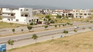 10 Marla Residential Land for Sale in Rawalpindi Bahria Town Phase-7