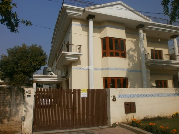21 Marla House for Rent in Lahore Cavalry Ground