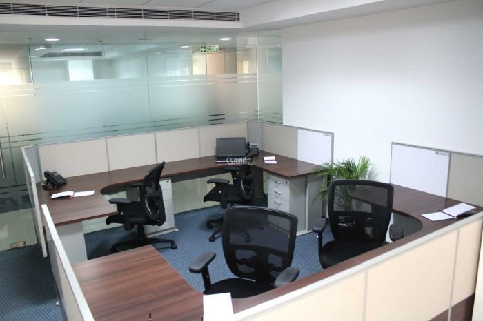 9 Marla Commercial Office for Rent in Karachi Shahbaz Commercial Area