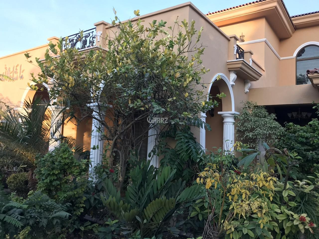 2 Kanal House for Sale in Lahore Gulberg-3