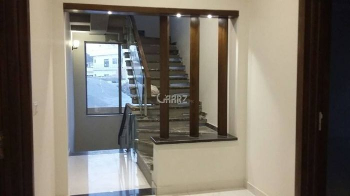 2225 Square Feet Apartment for Rent in Lahore Gulberg-3