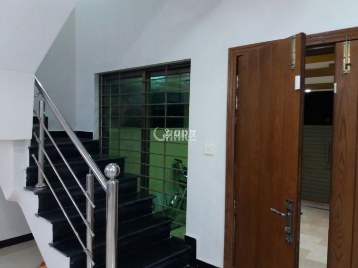 1 Kanal Upper Portion for Rent in Lahore Bankers Avenue