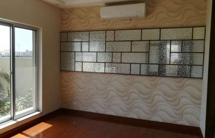 1.65 Kanal House for Sale in Lahore Bahria Town Meadows Villas