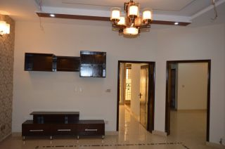 3200 Square Feet Apartment for Rent in Karachi Civil Lines
