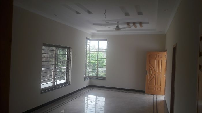 400 Square Yard House for Sale in Islamabad F-11/2