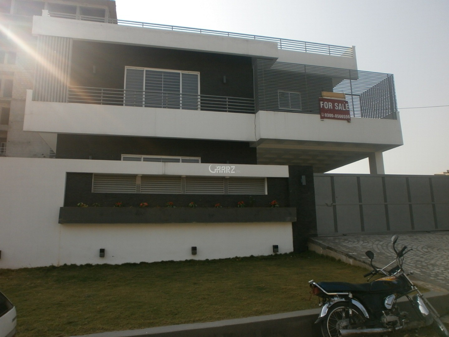 1.33 Kanal House for Sale in Islamabad F-10