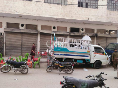 200 Square Yard Commercial Building for Sale in Manzoor