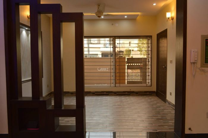 2600 Square Feet Apartment for Sale in Islamabad Diplomatic Enclave