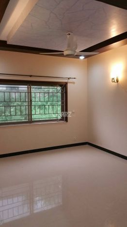 340 Square Feet Room for Rent in Lahore DHA Phase-2