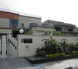 1 Kanal House for Rent in Lahore Johar Town Phase-1