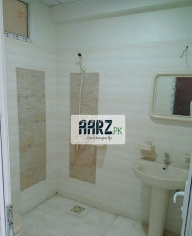 2600 Square Feet Apartment for Rent in Karachi Sea View